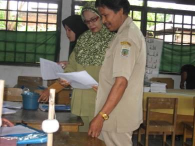 Kunjungan sekolah yang produktif di salah satu sekolah binaan DBE2 Sul-Sel