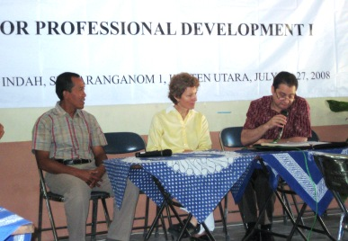 Pembukaan oleh PC DBE2 USAID Jawa Tengah