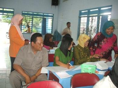 Ibu Nurmiyatin, PBS Tematik, Gugus Borobudur Banjarejo, Blora.