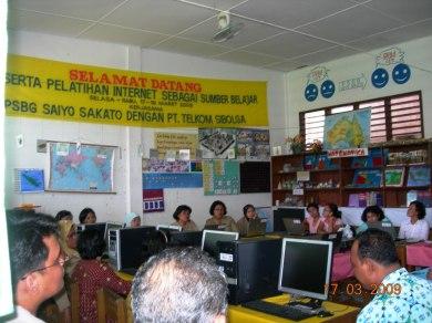 Peserta Pelatihan Internet sebaga sumber belajar di PSBG Saiyo Sakato 17 Maret 2009