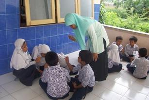 Kelas kita terdiri dari beragam peserta didik, variasi metode pembelajaran diharapkan dapat memenuhi kebutuhan belajar peserta didik yang beragam tersebut