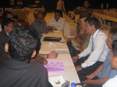Susana Pertemuan antara tim DBE 2 dan UNM membahas persiapan Video Conferens