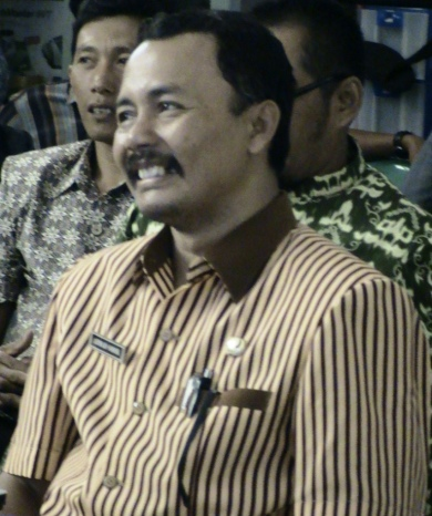 Drs. Ahmad Sodik, Kepala sekolah SDN Tanjunganom 2 Nganjuk yang sukses membawa siswanya berprestasi
